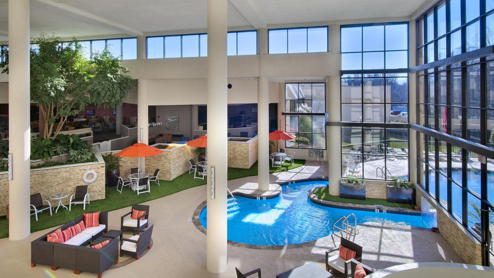 Sheraton Charlotte Airport Hotel | Indoor Pool